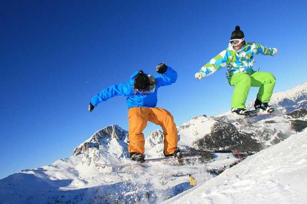 winter-snowboardD779A10F-818B-D9AD-386C-DF923B269D0A.jpg